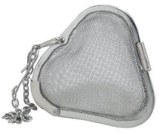 "Heart Shaped Stainless Steel Mesh Tea & Spice Infuser (2"")"